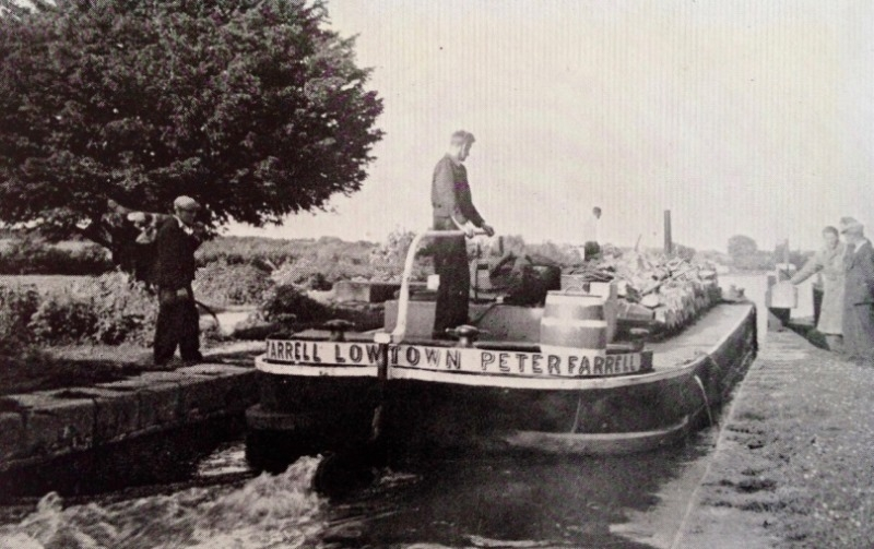 22 Lowtown boat