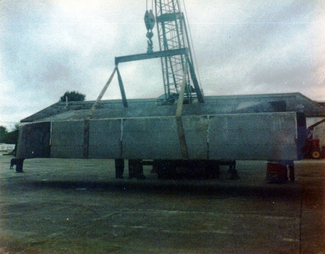 34 Lowtown boatbuilding - hull ready for turnover © Conroy Collection