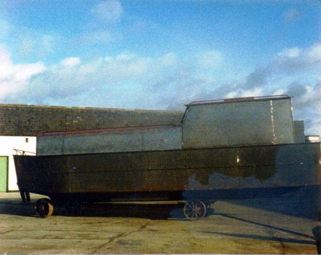 44 Lowtown boatbuilding - superstructure © Conroy Collection