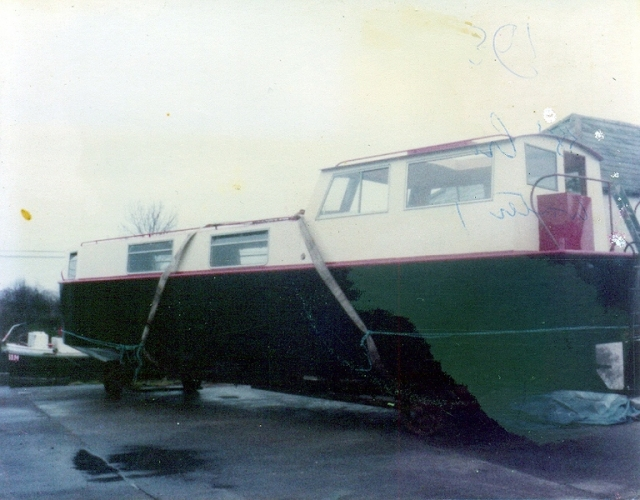 48 Lowtown boatbuilding - final phases © Conroy Collection